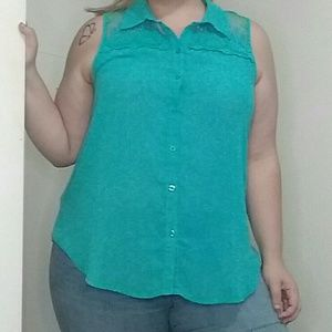 Torrid Size 2X Blue Sleeveless Blouse